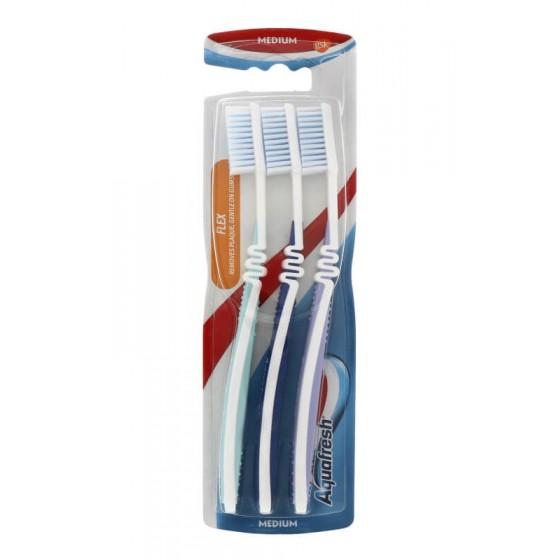 Aquafresh Spazzolino Flex Medium, Confezione da 3 pezzi